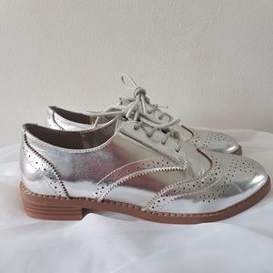 Silver Oxford flat shoes
